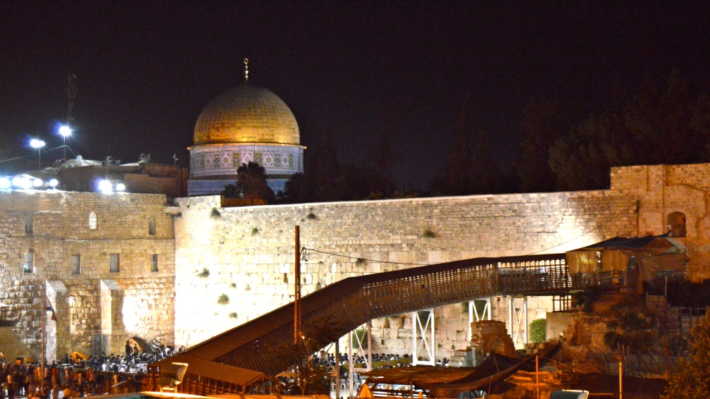 Temple mount by night